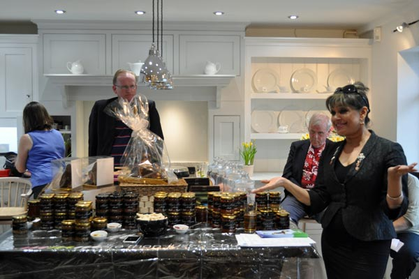 mimi harker obe presenting chutneys and mixers chiltern chamber food evening april 2015